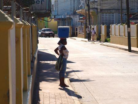 Roatan-street-lady